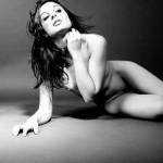 Sonya modella nudo toscana