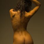Nicola fotomodella inglese in posa di nudo artistico