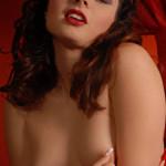 Fotomodella nuda italiana
