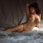 Sonia modella hard lombarda in una posa di nudo integrale
